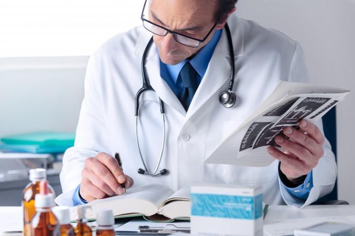 docteur-tampon-encreur-medecin